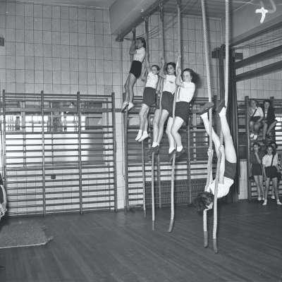 Broughton Modern Secondary School, School gym lesson, girls school