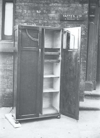 Wardrobe With Open Door, Exterior, 6 Buckley St