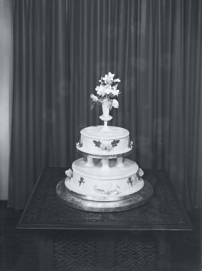 Wedding cake for Enid and Ted