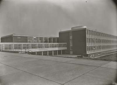 Salford Technical School, Building