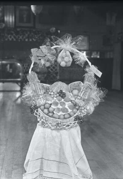 Finnigans, Bouquet of flowers