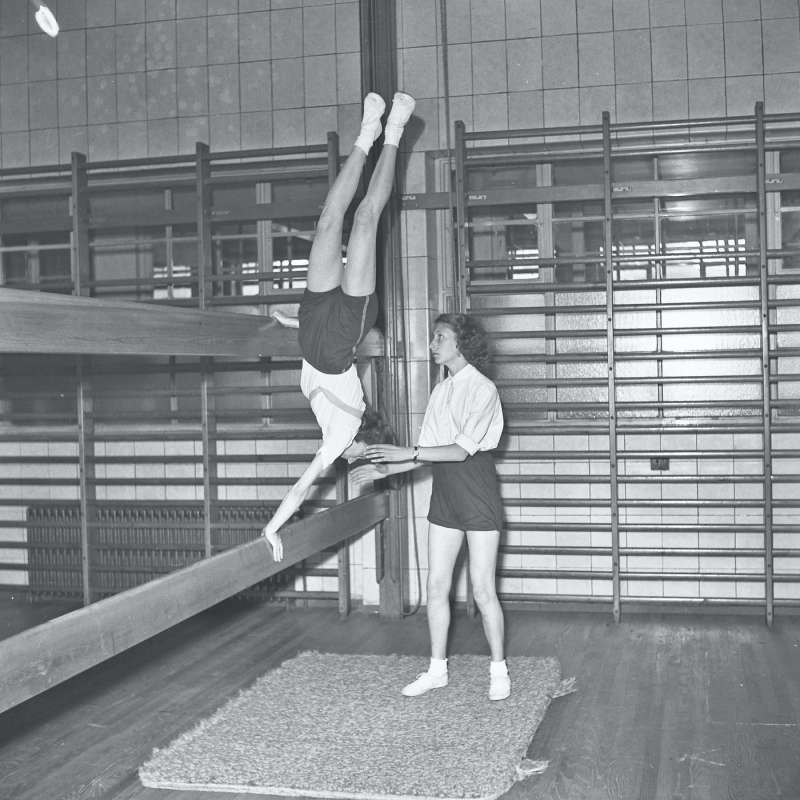 Broughton Modern Secondary School, School gym lesson, girls school