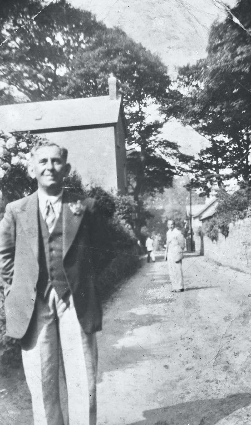 Portrait on man in suit in street